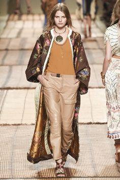 #Etro   #fashion  #KoshchenetsEtro Spring 2017 Ready-to-Wear Collection Photos - Vogue