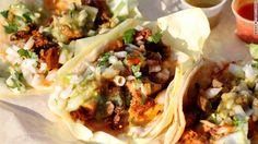 EE.UU. dedica un día especial para festejar a los tacos mexicanos, means in my words a dedicated special day for the mexican tacos.