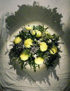 Kytice s umělými květy   Bunch with artificial flowers