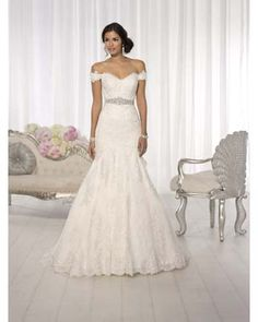 Essence of Australia D1617 Bridal gowns | Flares Bridal. Exactly what I want