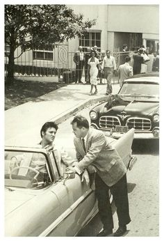 Elvis Presley pictures and photos Elvis And Priscilla, Lisa Marie Presley, Priscilla Presley, Elvis Presley Pictures, Elvis Presley Movies, Graceland, King Creole, Young Elvis, Jailhouse Rock