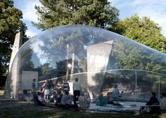 An inflatable pavilion that looks like a soap bubble, designed by Plastique Fantastique, has been popping up around Copenhagen. Temporary Architecture, Futuristic Architecture, Architecture Design, Futuristic Interior, Harmony Park, Temporary Structures, Fabric Structure, Solar, Pop Up Shops