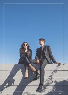 Korean Couple Photoshoot, Pre Wedding Photoshoot, Beach Wedding Photos, Wedding Poses, Korean Wedding Photography, Couple Photography Poses, Couple Posing, Couple Shoot, Matching Couple Outfits
