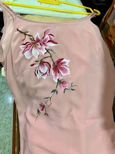 Best 12 Ideas tatoo – Page 508343876691285375 Fabric Paint Shirt, Fabric Painting On Clothes, Stencil Fabric, Dress Painting, T Shirt Painting, Painted Clothes, Silk Painting, Fabric Art, Saree Painting Designs