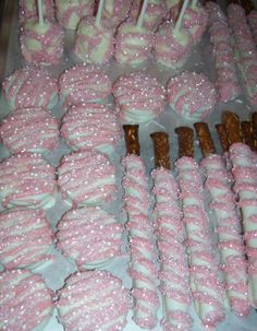 Wedding Favors ~ Chocolate Covered Oreos, Pretzel Rods and Marshmallow Pops  #Weddingfavors #Spring #Favors #Chocolate #Mariegrahams