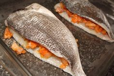 dorada-rellena-al-horno-7 Gefilte Fish Recipe, Whole 30 Recipes, Healthy Recipes, Ono Fish Recipe, Parmesan Fish Recipe, Fluke Recipe, Dorado Fish, Kuchen, Gastronomia