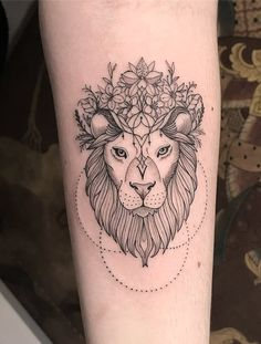 Lion Tattoo With Crown, Crown Tattoos For Women, Lion Hand Tattoo, Finger Tattoo For Women, Mens Lion Tattoo, Best Tattoos For Women, Sleeve Tattoos For Women, Tattoos For Guys, Female Lion Tattoo