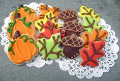Fall Leaves, Pumpkin and Acorn Sugar Cookies - Mini Bites #Halloween