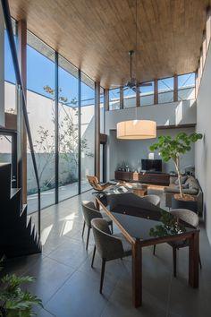 7 Non-Expensive Ideas to Create Luxury Living Room Luxury Furniture Living Room, Japanese Interior Design, Bedroom Design, Simple House, Luxury Living Room, Interior Architecture Design, House, Luxury Living, House Interior