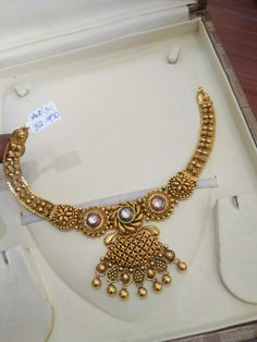 Gold Jewelry Design In India Gold Jewellery Design, Gold Jewelry, Gold Necklace, Gold Pendent, Antique Jewelry, Antique Gold, Wedding Jewelry, Chocker, Bangle
