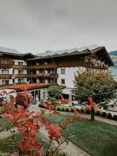 Pure relaxation: Gartenhotel Crystal in Zillertal Jacuzzi, Hotel Mama, Beste Hotels, Das Hotel, Switzerland, Relax, Cabin, Bright, Crystal
