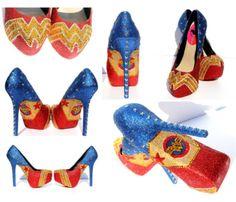 Crazy Shoes, Me Too Shoes, Wonder Woman Shoes, Estilo Geek, Muses Shoes, Shoe Boots, Shoes Heels, Shoes Pic, Shoes Style