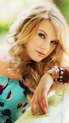Boho chic Taylor!
