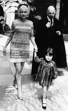 "Mariska Hargitay (from NYPD Special Victims Unit) as a little girl with her Mom Jane Mansfield and Mansfield's ""friend"" and leader of the Church of Satan Anton LaVey (circa 1967) http://ift.tt/2xOajfU"