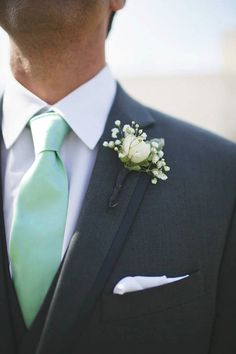 The perfect Gentleman! Skinny Ties are awesomely stylish. A perfect mint color, right between green and blue.  ☆ 100% handmade with love in the