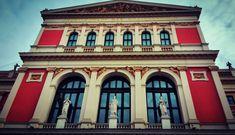 Viena - orașul în care muzica e diplomație - Din mansarda Mansions, House Styles, Home Decor, Vienna, Mansion Houses, Homemade Home Decor, Villas, Luxury Houses, Interior Design