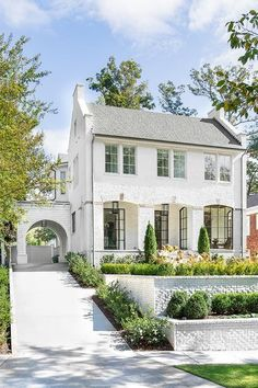 White Brick Home - Design photos, ideas and inspiration. Amazing gallery of interior design and decorating ideas of White Brick Home in home exteriors, decks/patios by elite interior designers. Dream Home Design, My Dream Home, House Design, Dream House Exterior, Colonial House Exteriors, House Goals, Curb Appeal, Exterior Design, Future House
