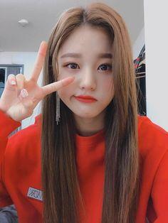 (Credits to the real owner/s) Kpop Girl Groups, Kpop Girls, Korean Girl, Asian Girl, Yu Jin, Japanese Girl Group, Kim Min, Pretty Asian, Kpop Fashion