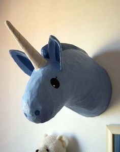 paper mache taxidermy. Would love to do a longhorn like this for kids room