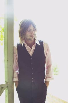 Robert Schwartzman (Michael from Princess Diaries) I love his voice