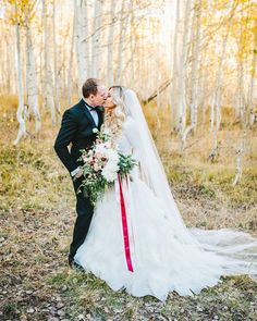 Remember that one time when there was color outside? But there is still love in the air.  Always love in the air.  #nhiyakayephoto #utahweddingphotographer #weddingphotographer #winterwedding by nhiyakayephoto