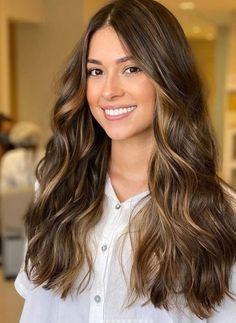 Balyage Long Hair, Cabelo Ombre Hair, Brown Hair Balayage, Hair Color Balayage, Highlights For Dark Brown Hair, Hair Highlights, Brunette Hair Cuts, Haircuts Straight Hair, Bronze Hair