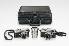 Produits Anniversaire // A propos du jubilé // 100 Ans de Photographie // Univers Leica - Set limité à 101 pièces comprenant un Leica M-A argentique (équivalent du Leica MP) et Leica M numérique + 3 optiques Summilux 28,35,50 mm. #sérielimitée