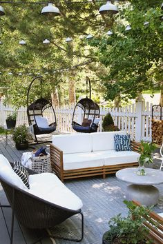 Exterior Patio Area Furniture for Great Houses – Outdoor Patio Decor Deck Furniture Layout, Pool Patio Furniture, Outdoor Furniture Sets, Outdoor Decor, Furniture Design, Patio Layout, Furniture Nyc, Rustic Furniture, Outdoor Kitchen Design