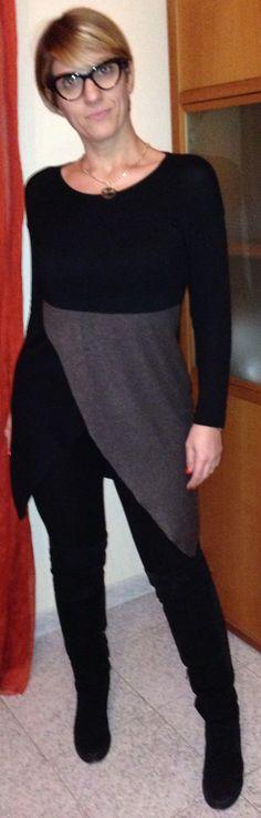 Maglia asimmetrica nero e tortora Alessandra Ciani Couture