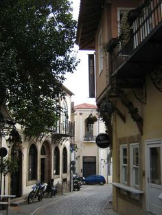 Old town of Xanthi Thrace Planet Earth, Old Town, Planets, Sailing, Greece, Mansions, Country, House Styles, City