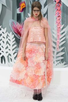 Chanel Spring 2015 Couture Fashion Show - Lindsey Wixson (Elite)