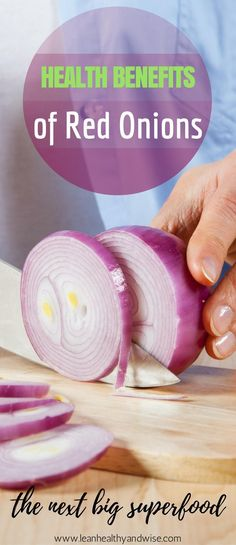 Onions are found in every kitchen but we do not give this superfood much thought. Discover the amazing health benefits of red onions you probably are not aware of. Healthy Lifestyle Tips, Healthy Tips, Healthy Food, Healthy Heart, Healthy Recipes, Be Natural, Natural Cures, Onion Benefits Health, Benefits Of Red Onion