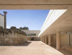 Entorno del Templo de Diana by Jose Maria Sanchez Garcia