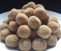 A Food, Food And Drink, Dog Food Recipes, Cooking Recipes, No Bake Energy Bites, Healthy Deserts, Sweets, Comfortfood, Ann