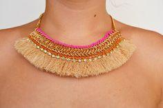 collar llamativo collar bebero hecho a mano por Limbhad en Etsy