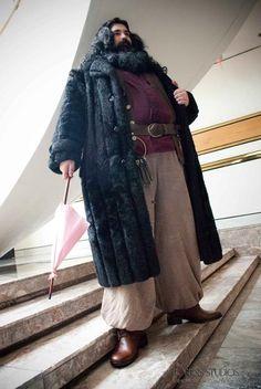 Hagrid, cosplayed by Lucas Ryan