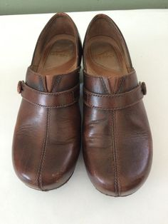 DANSKO Women's Solstice Brown Leather Closed Back Button Clogs Size US:7 EUR:38 #Dansko #Clogs #CasualWork
