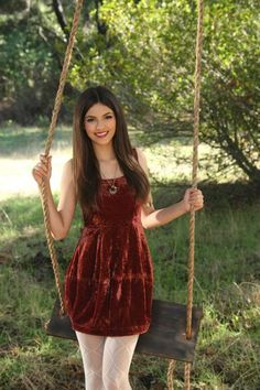 Dressing Your Truth Type 3/4 Victoria Justice