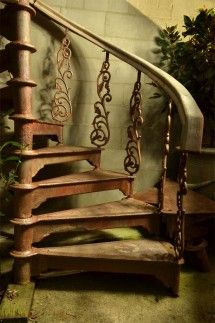 Nice iron work, treads a little lacking in detail but the staunchions are good, handrail a little clunky...