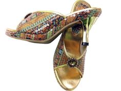 Chappalwala.com is the online shoe store shop that offers footwears for men, women, kids in India. Best quality slippers, sandals, boots, shoe at lowest price in India. Buy shoes online and get fastest amp; timely delivery. We are manufacturer and direct wholesale / bulk suppliers of shoe in New Delhi India.