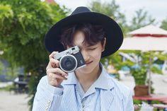 """Ceremony"" Jacket Shooting Behind The Scenes Pentagon Hongseok, Cube Ent, Im A Loser, E Dawn, Boys Like, Bias Wrecker, K Idols, Pantone, Behind The Scenes"
