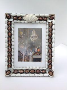 Seashell Frame, Seashell Crafts, Shell Mirrors, Shelled, Stuffed Shells, Shell Art, Interior Accessories, Sea Shells, Hobbies
