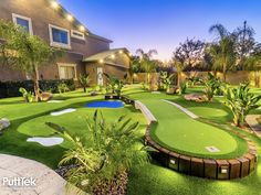 Large Backyard Landscaping, Backyard Pool Designs, Outdoor Life, Outdoor Gardens, Backyard Sports, Backyard Putting Green, Rooftop Terrace Design, Synthetic Lawn, Outdoor Projects