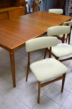 Mid Century Modern Solid Teak Dining Room Table With 4 Armless Chairs Original Tweed