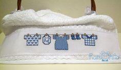 Ramonita: Toallas para bebé bordadas en punto de cruz