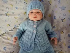 Ravelry: Charlie Baby Cardigan Jacket pattern by marianna mel Baby Cardigan Knitting Pattern Free, Baby Boy Knitting Patterns, Baby Sweater Patterns, Knitted Baby Cardigan, Knit Baby Sweaters, Baby Patterns, Baby Knits, Knitting Ideas, Crotchet Baby Hats