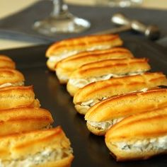 Savory eclairs, thats a new one. Filled with creme cheese and fresh herbs Going to have to try! Profiteroles, Eclairs, Savory Pastry, Savoury Baking, Cheese Pastry, Choux Pastry, Meal Snap, Eclair Recipe, Savory Waffles