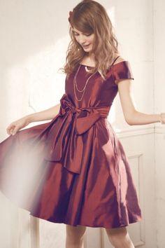 オフショルダー・シャンブレータフタドレス - 「AIMER(エメ)公式通販サイト|パーティー・結婚式ドレスで人気」