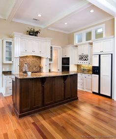 Traditional Two-Tone Kitchen Cabinets