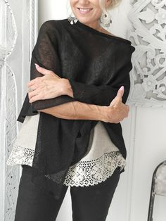 BYPIAS Hand made knitted linen poncho / @bypiaslifestyle www.bypias.com